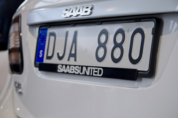 The license plate, DJA 880, of the last Saab 9-3 Griffin.